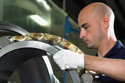 SKF bearing remanufacturing program